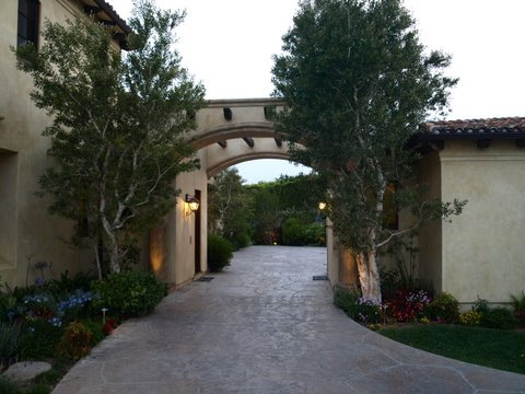 Outdoor Lighting Agoura Landscape Lighting